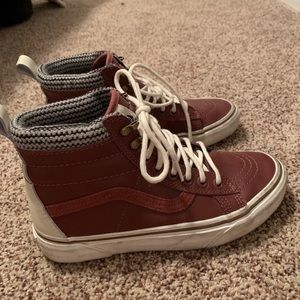 Size 6 Leather Sk8 Hi MTE